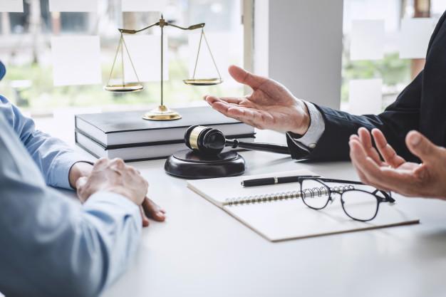 Les meilleurs conseils pour trouver un bon avocat